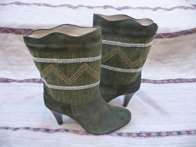 New Short Kilim Boots Size 37