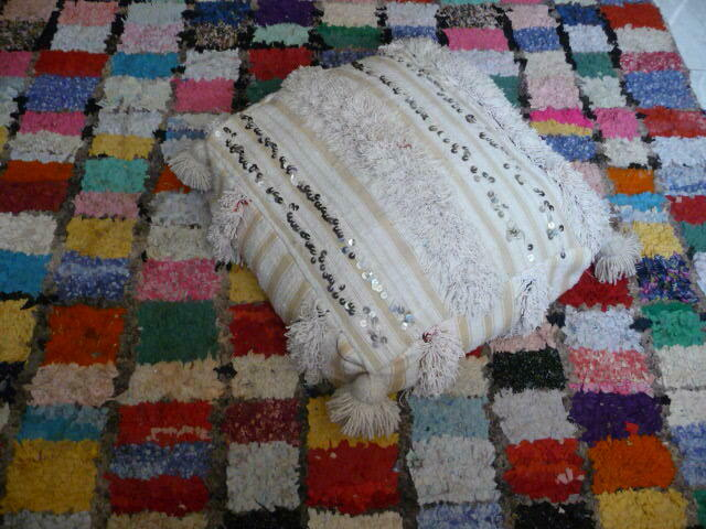 Wedding blanket pouf